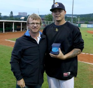 Wilson Lee wins PBW'15 Best Pitcher